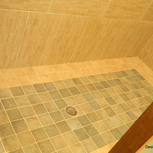 Inspiration for a bathroom remodel in Orlando