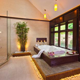 Ejemplo de cuarto de baño principal, de estilo zen, con bañera encastrada, ducha esquinera y baldosas y/o azulejos multicolor