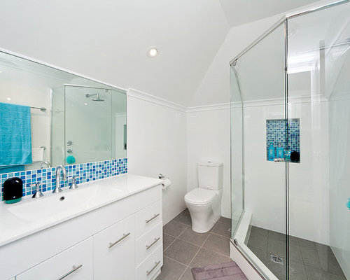 Salle de bain chambre mansard e photos et id es d co de for Salle bain mansardee