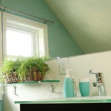 Modern Bathroom by Vered Rosen Design