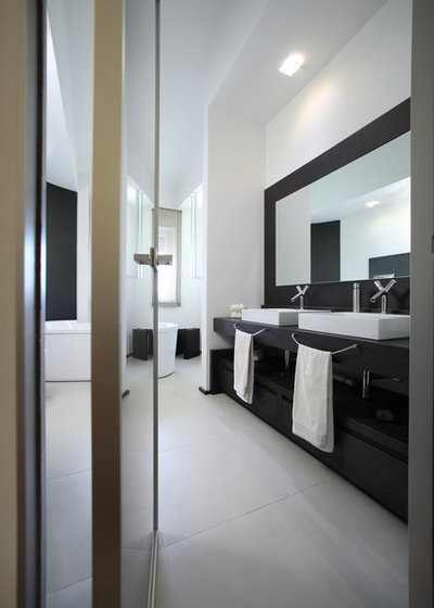 Contemporaneo Stanza da Bagno by Pucci+Saladino architects