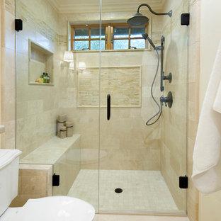 サクラメントの小さいカントリー風おしゃれなバスルーム (浴槽なし) (家具調キャビネット、黄色いキャビネット、アルコーブ型シャワー、マルチカラーのタイル、石タイル、ライムストーンの洗面台、分離型トイレ、黄色い壁、トラバーチンの床、アンダーカウンター洗面器) の写真