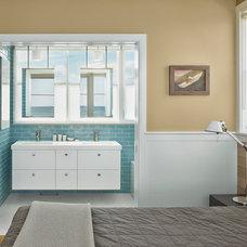 Beach Style Bathroom by McCoubrey/Overholser, Inc.