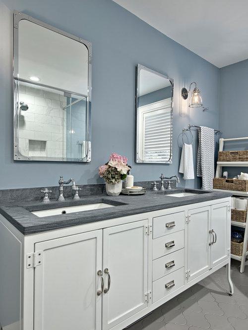 Salle de bain craftsman avec un carrelage gris photos et id es d co de sall - Taille moyenne salle de bain ...