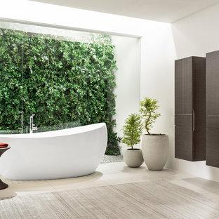 ロンドンのコンテンポラリースタイルのおしゃれな浴室の写真