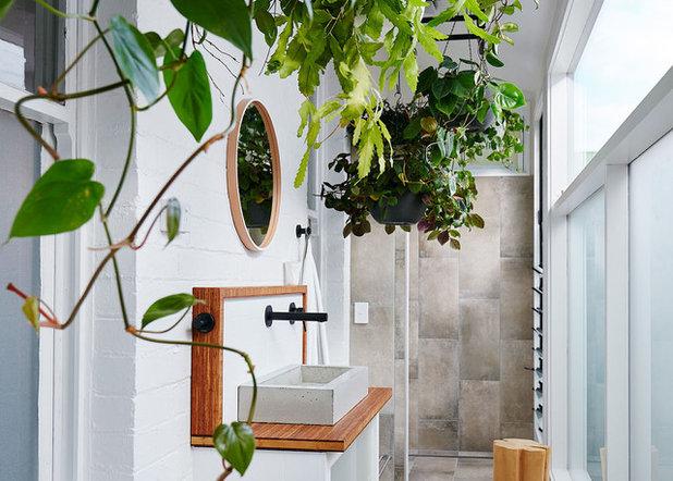 Contemporary Bathroom by onomatopoeia
