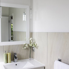 Contemporary Bathroom by CJ Corporation Ltd