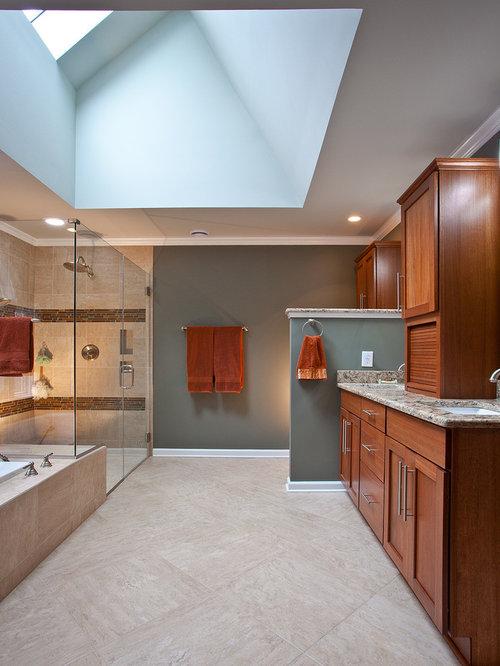 badezimmer mit travertin und terrakottafliesen design. Black Bedroom Furniture Sets. Home Design Ideas
