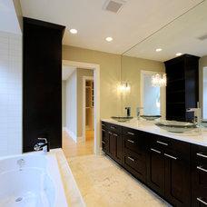Modern Bathroom by Kurmak Builders