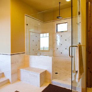 Идея дизайна: большая главная ванная комната в стиле рустика с фасадами с выступающей филенкой, фасадами цвета дерева среднего тона, накладной ванной, душем в нише, белой плиткой, керамогранитной плиткой, бежевыми стенами, полом из керамогранита и мраморной столешницей