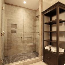 Contemporary Bathroom by Suiter Construction Company, Inc.