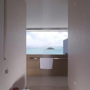 Inspiration for a modern bathroom in Sydney.