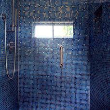 Modern Bathroom by Hive Modular, LLC