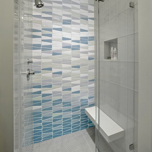 Mid-sized trendy 3/4 multicolored tile ceramic floor alcove shower photo in San Francisco with gray walls