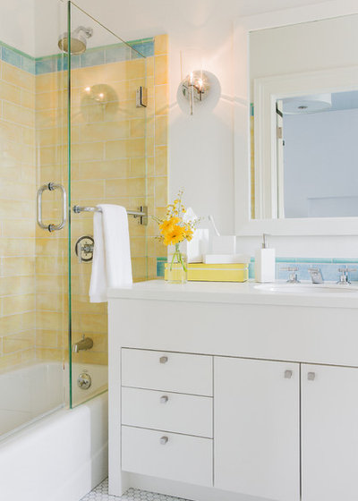 Modern Bathroom by Annie Hall Interiors