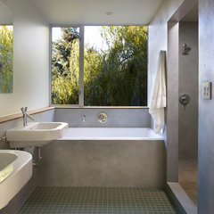 modern bathroom by SHED Architecture & Design