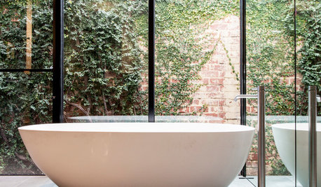 Which Bath is Best: Freestanding or Fitted?