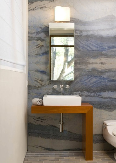 コンテンポラリー 浴室 by Sara Baldwin Design