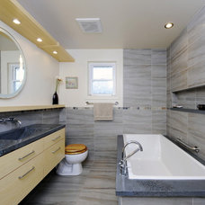 contemporary bathroom by Luxurious Living Studio Inc.