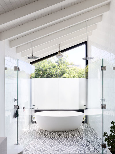 Contemporary Bathroom by Urban Future