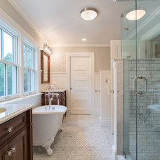 Farmhouse Bathroom by Brewster Thornton Group Architects, LLP