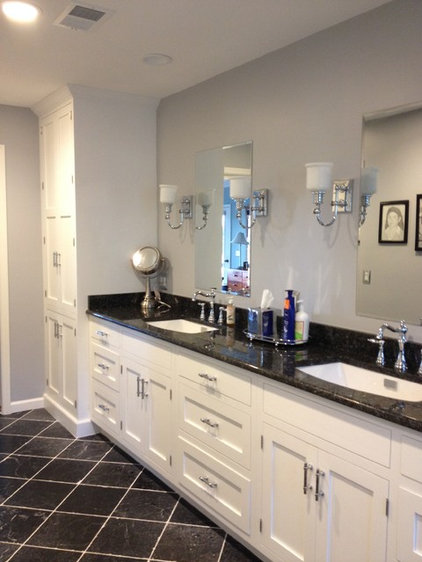 Transitional Bathroom by Distinctive Designs in Cabinetry, LLC