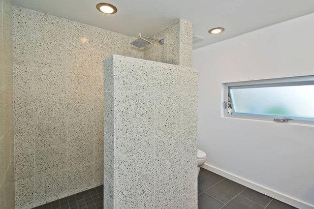 Modern Bathroom by Erik Gilmer