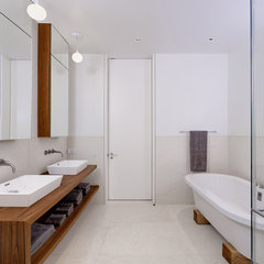 contemporary bathroom by d'apostrophe design, inc.