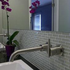 Modern Bathroom by Hickman Construction Company, Inc.