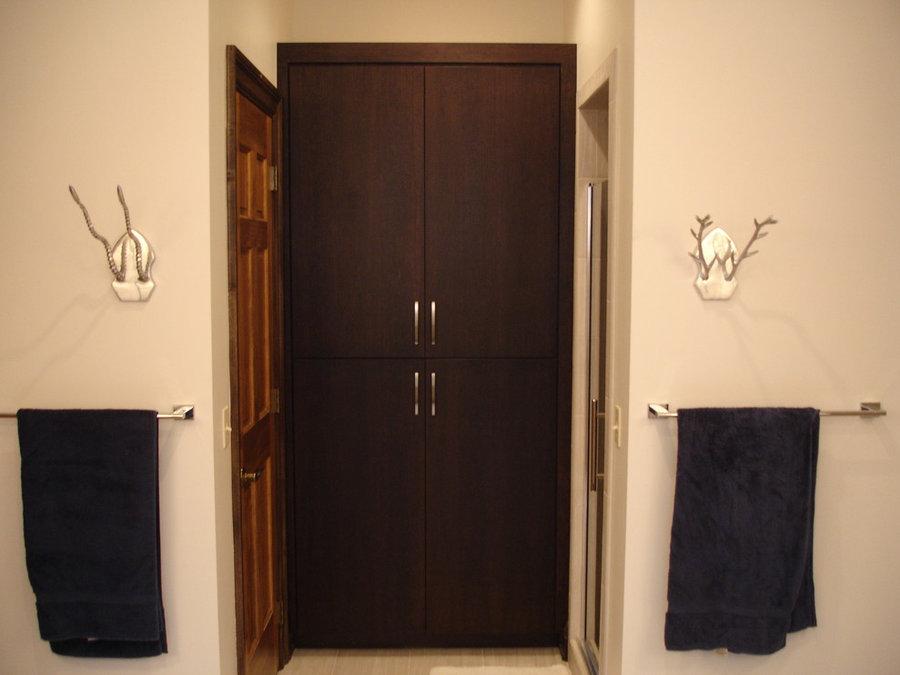 Bath linen cabinet