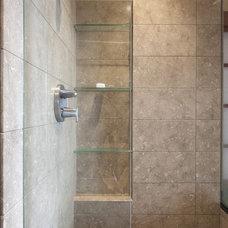 Tropical Bathroom by McClellan Architects