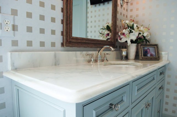 Traditional Bathroom by Alabama Remodeling Excellence Awards