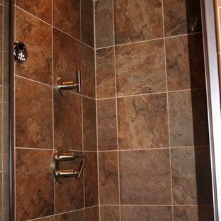 他の地域のエクレクティックスタイルのおしゃれな浴室の写真