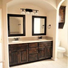 Traditional  by RJS Custom Homes LLC