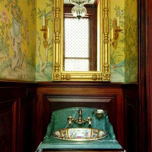 Esempio di una piccola stanza da bagno chic con consolle stile comò, ante in legno chiaro, top in marmo, piastrelle nere, piastrelle a mosaico, lavabo integrato, pareti multicolore e pavimento in marmo
