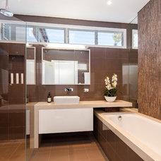 Contemporary Bathroom by Robert Dyson Design