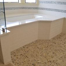 Modern Bathroom by Hendricks Construction Co., Inc.