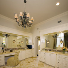 Contemporary Bathroom by Braswell Architecture, Inc.