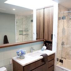Modern Bathroom by Mason Miller Architect