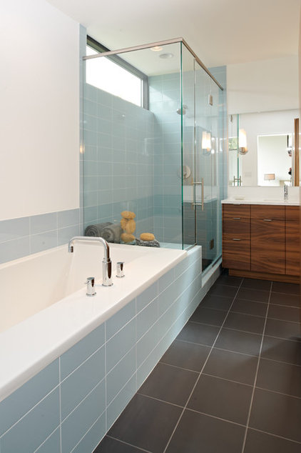 Modern Bathroom by CITYDESKSTUDIO, Inc.
