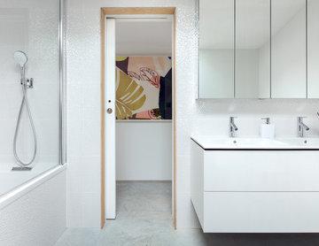 Bathroom   Contemporary Guest Annexe   West Sussex