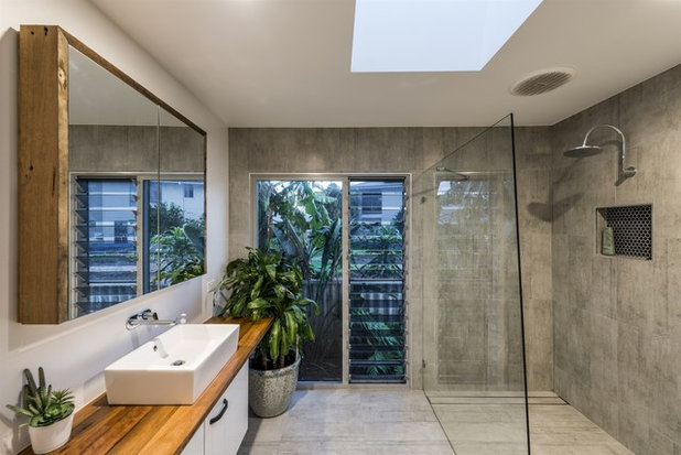 Contemporary Bathroom by Davey Constructions