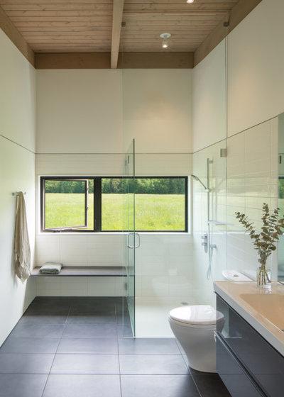 ミッドセンチュリー 浴室 by David Coleman / Architecture