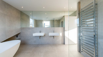 Bathroom design by Racton Properties London.