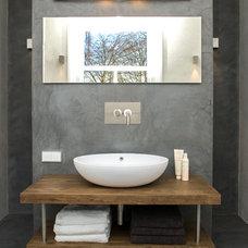 Contemporary Bathroom by Studio Nest I Interior Design & Styling