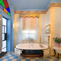 eclectic bathroom by Elad Gonen & Zeev Beech