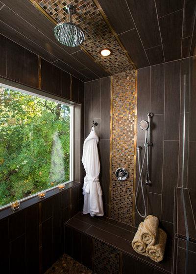Contemporary Bathroom by JAQUE