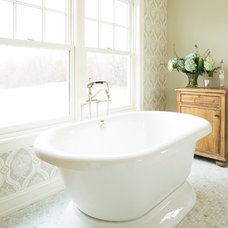 Farmhouse Bathroom by Hendel Homes