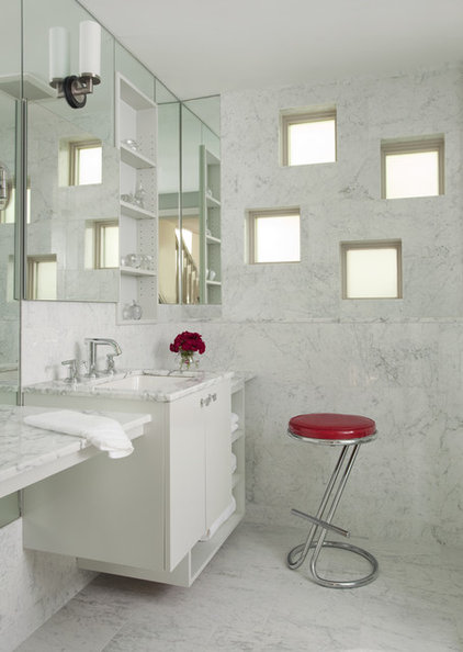Contemporary Bathroom by HP Rovinelli Architects