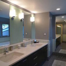 Modern Bathroom by HP Rovinelli Architects